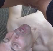 mausi67 - Er muß 1,5 L Pisse schlucken