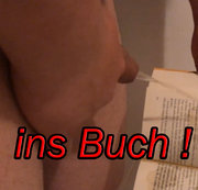 Cockcall - Ins Buch pissen und im Öffentlichen Klo ablegen !